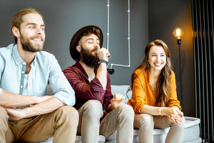 声の低い男性が歌いやすい曲5選!